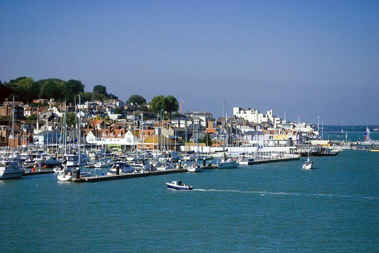 Cowes-Isle-of-Wight-supported-dementia-holiday